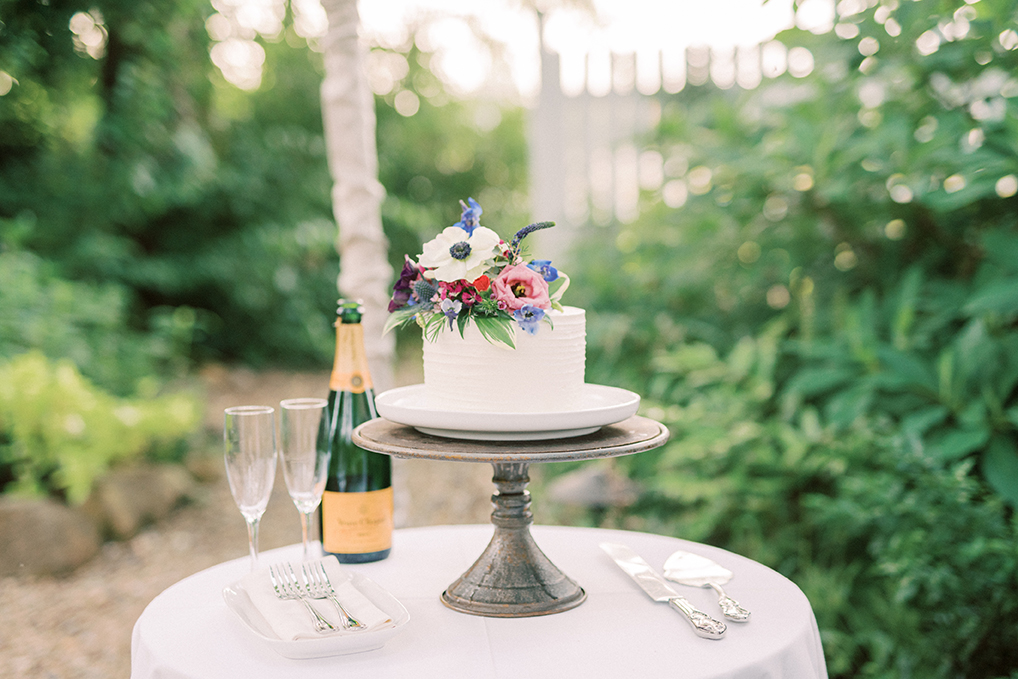 zita and connor's wedding cake at fearrington