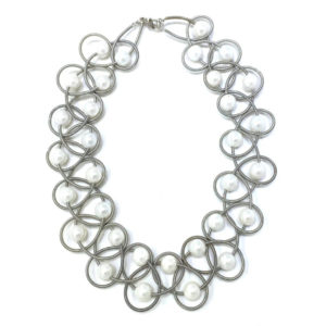 SILVER LACE NECKLACE WITH WHITE PEARLS